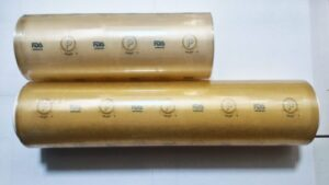 Cling film plastic wrapping naked roll